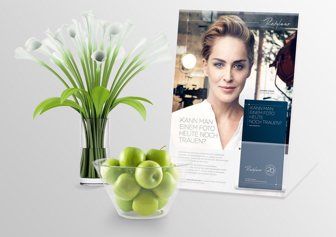 Plakat und Flyer Galderma Pirl